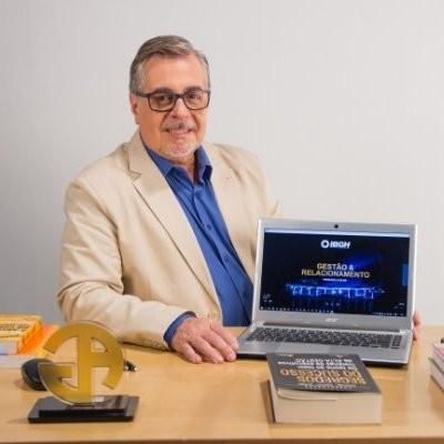 Armando Lardosa, Diretor